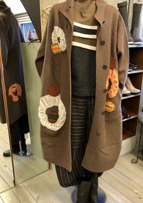 地味色を粋に着る+かんたんコート